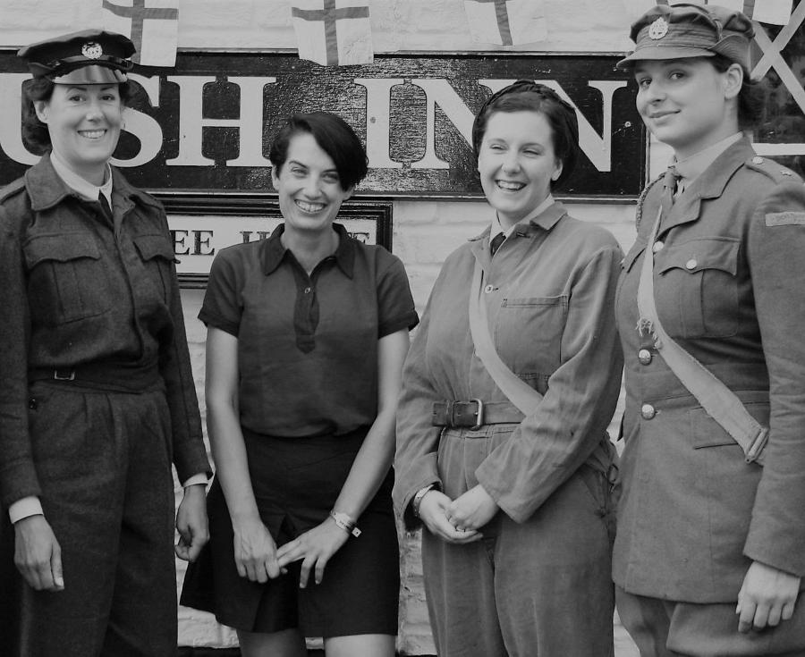 WWII BRITISH WOMAN'S UNIFORM ITEMS