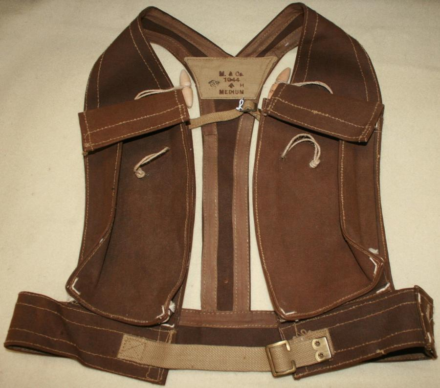 A 1944 DATED ASSAULT VEST / JERKIN