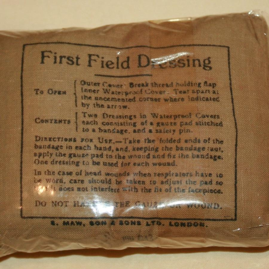 A 1943 DATED 1ST FIELD DRESSING IN CELLOPHANE