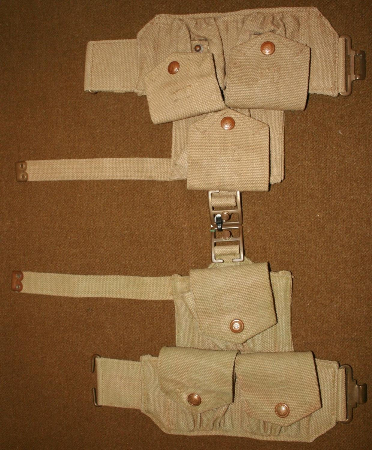 A PAIR OF 40 PATTERN CAVALRY POUCHES