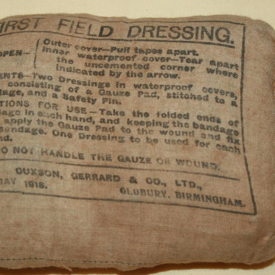 A UNOPENED WWI 1ST FIELD DRESSING 1918 DATED
