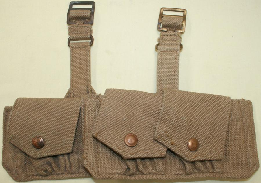 A PAIR OF THE SMALL DOUBLE AMMO POUCHES