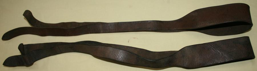 A MATCHING PAIR OF 39 PATTERN LEATHER EQUIPMENT SUSPENDER STRAPS