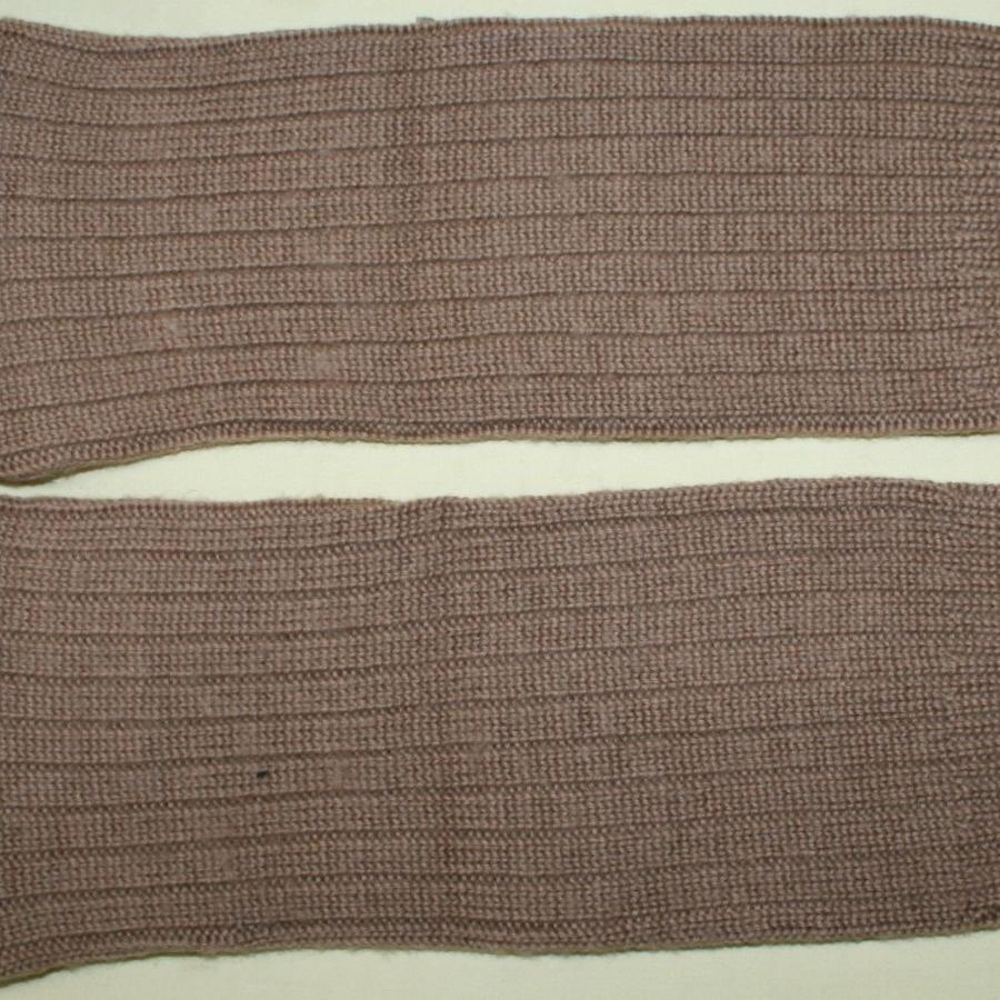 A PAIR OF WOMEN'S LAND ARMY 1944 DATED SOCKS