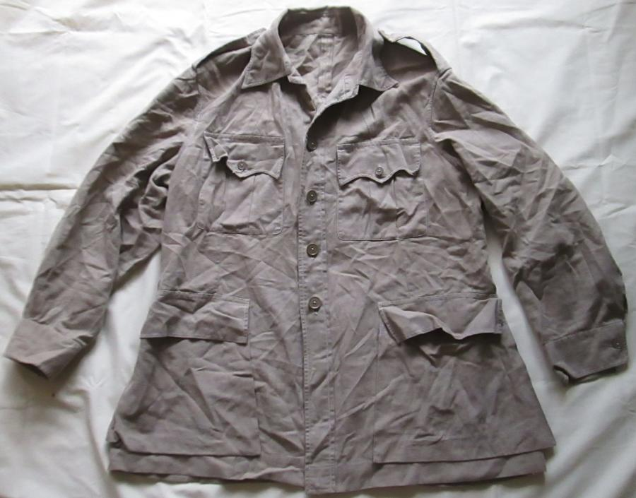A KD BUSH JACKET LARGE SIZE FITS ME !