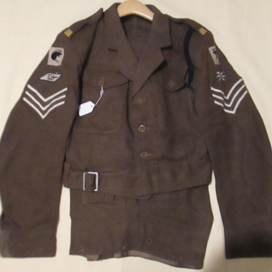 A GOOD EARLY POST WWII 2ND RTR SGTS UNIFORM