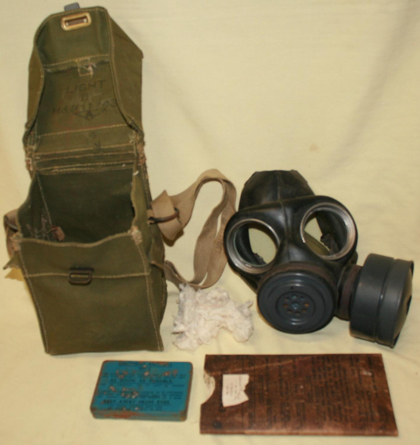 A 43 PATTERN LIGHT WEIGHT GAS MASK BAG SET