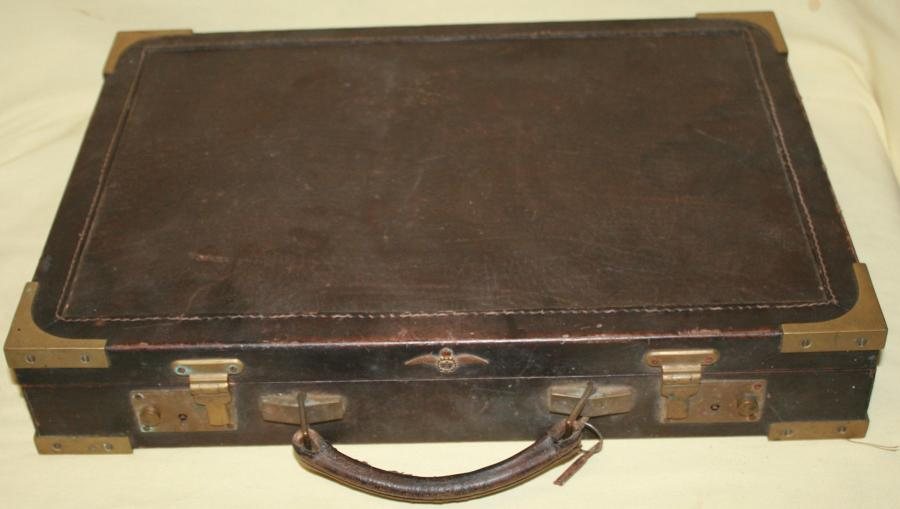 A WWII PERIOD RAF PRIVATE PURCHASE BRIEFCASE