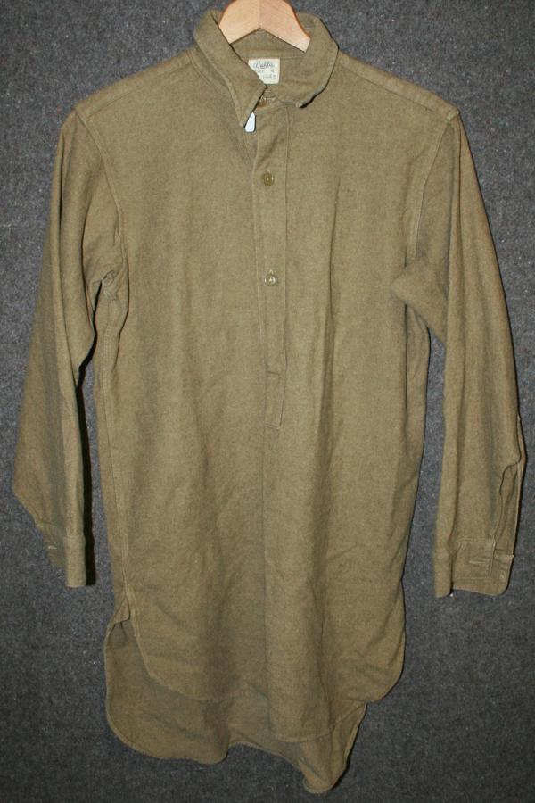 A 1945 DATED COLLAR ATTACHED SHIRT