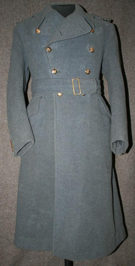 A 1942 DATED RAF OFFICERS GREY COAT ( NAMED TO A SQD J NOBLE )HO