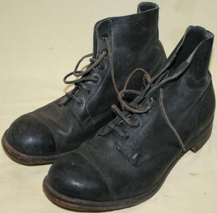 A GOOD PAIR OF SIZE 10 M AMMO BOOTS 1954 DATED