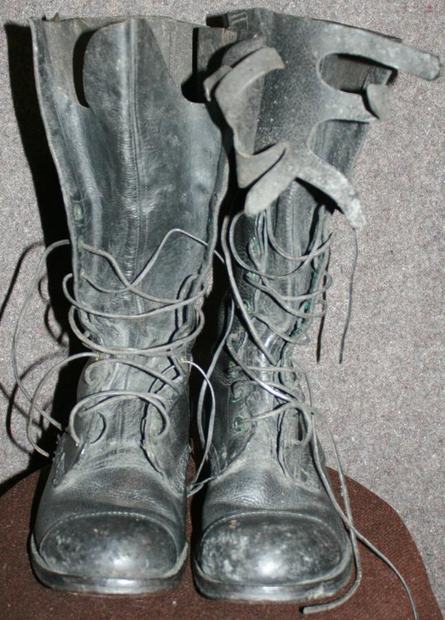 A GOOD PAIR OF 1945 DATED DISPATCH RIDERS BOOTS SIZE 8 M