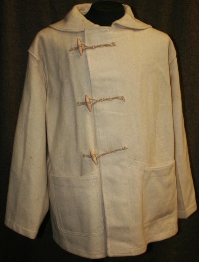 A RARE 1941 DATED BRITISH ARMY ISSUE LIGHT DUFFEL COAT