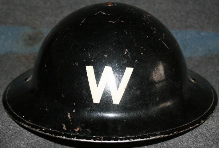 A 1939/40 DATED LONDON AREA WARDENS HELMET