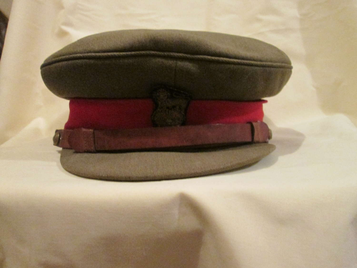 A 1936-40 PERIOD BRIGADIERS SERVICE DRESS ( INDIAN MADE ) CAP
