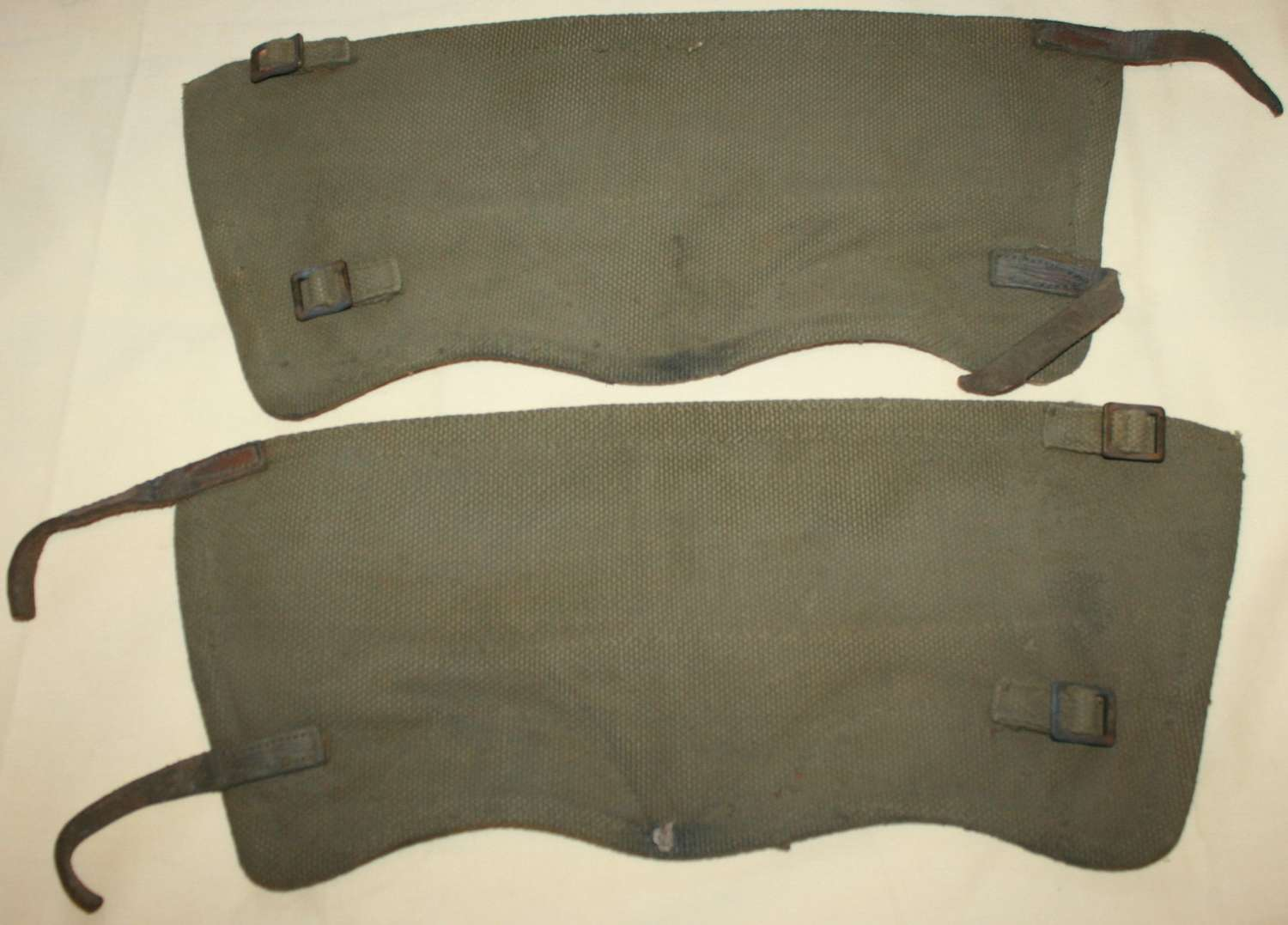 A GOOD USED PAIR OF GATTERS SIZE 3 1942 DATED