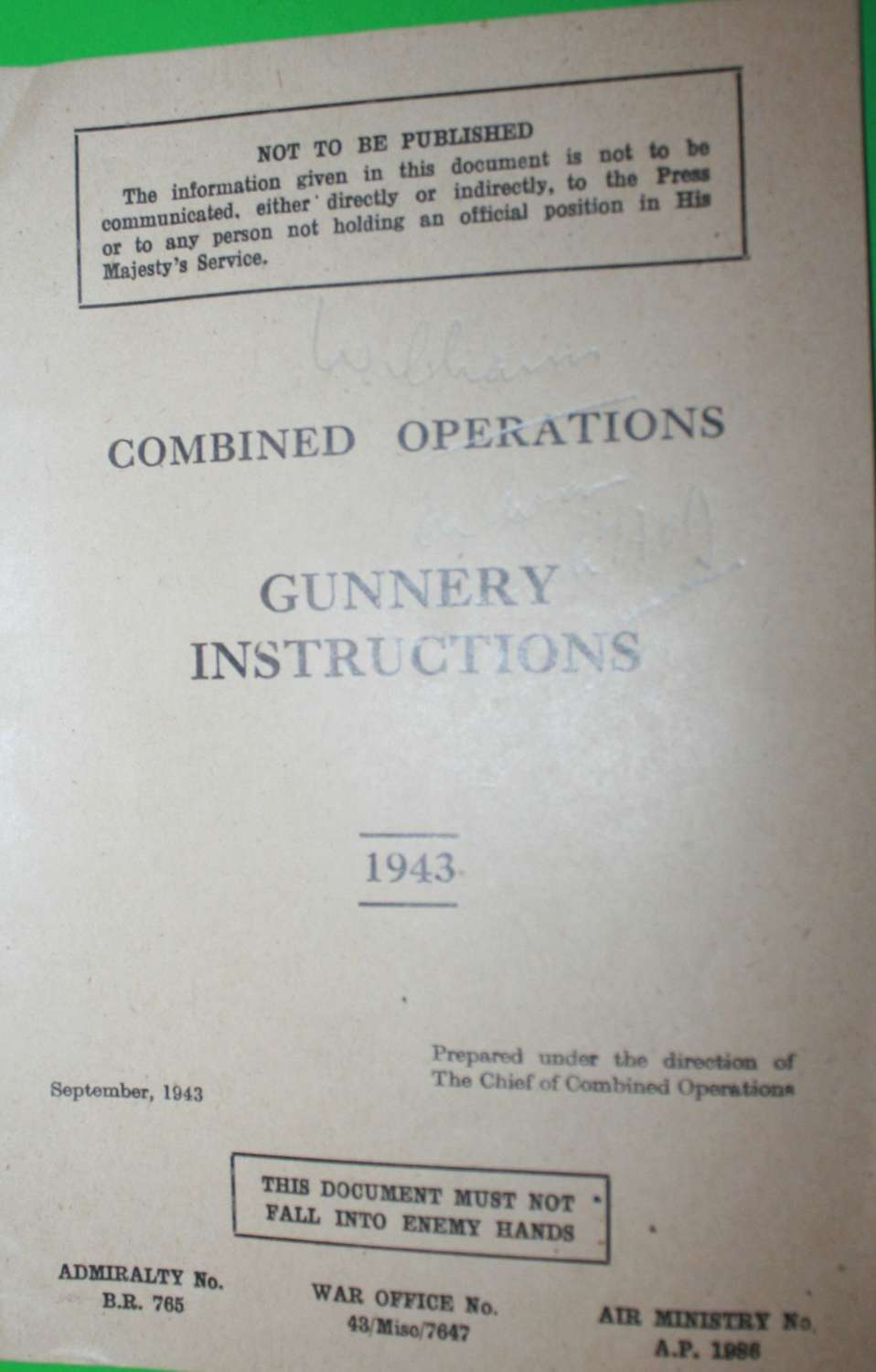 A COMBINED OPERATIONS MANUAL GUNNERY INSTRUCTIONS PAMPHLET
