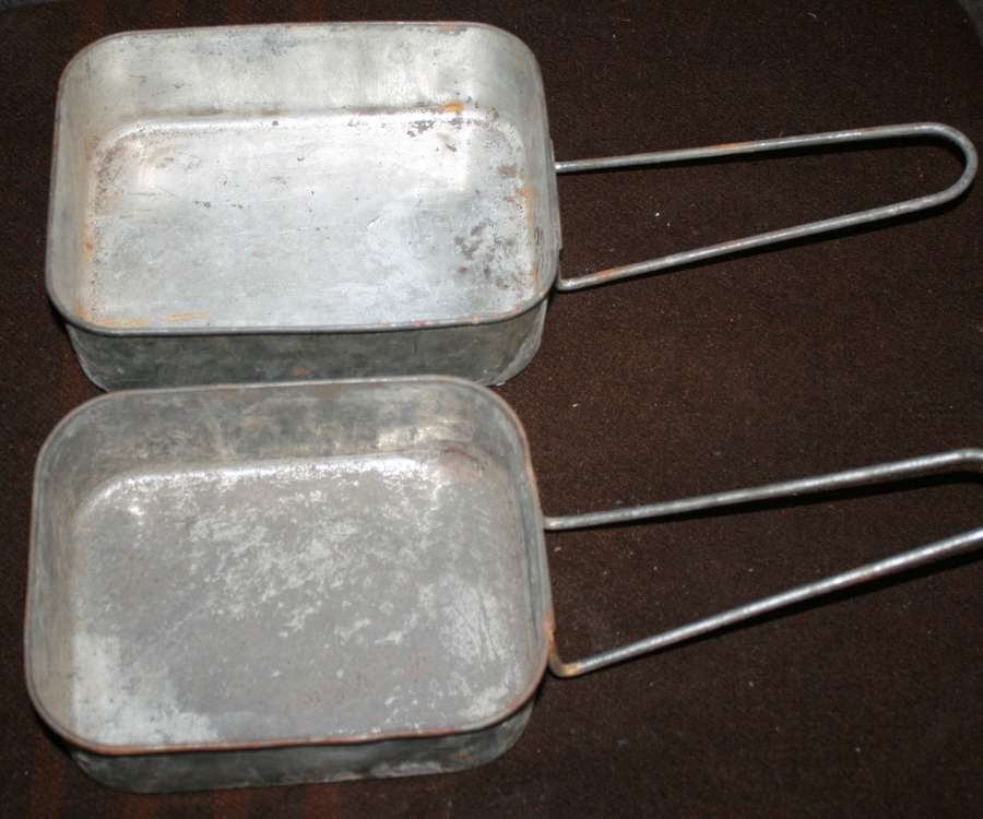 A SCARCE SET OF WWII SOUTH AFRICAN MESS TINS