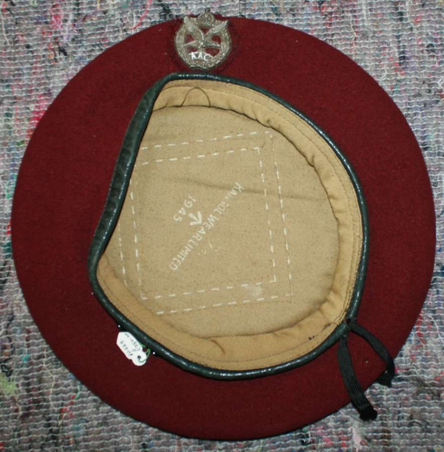 A 1945 DATED ARMY AIR CORPS BERET