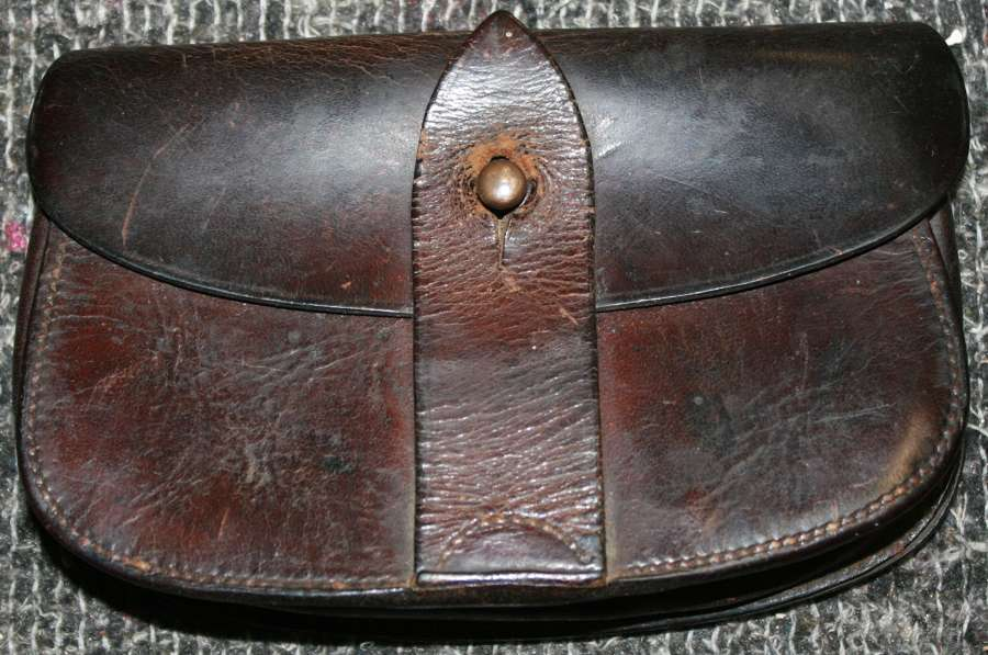 A WWI PERIOD OFFICERS SAM BROWN PISTOL AMMO POUCH