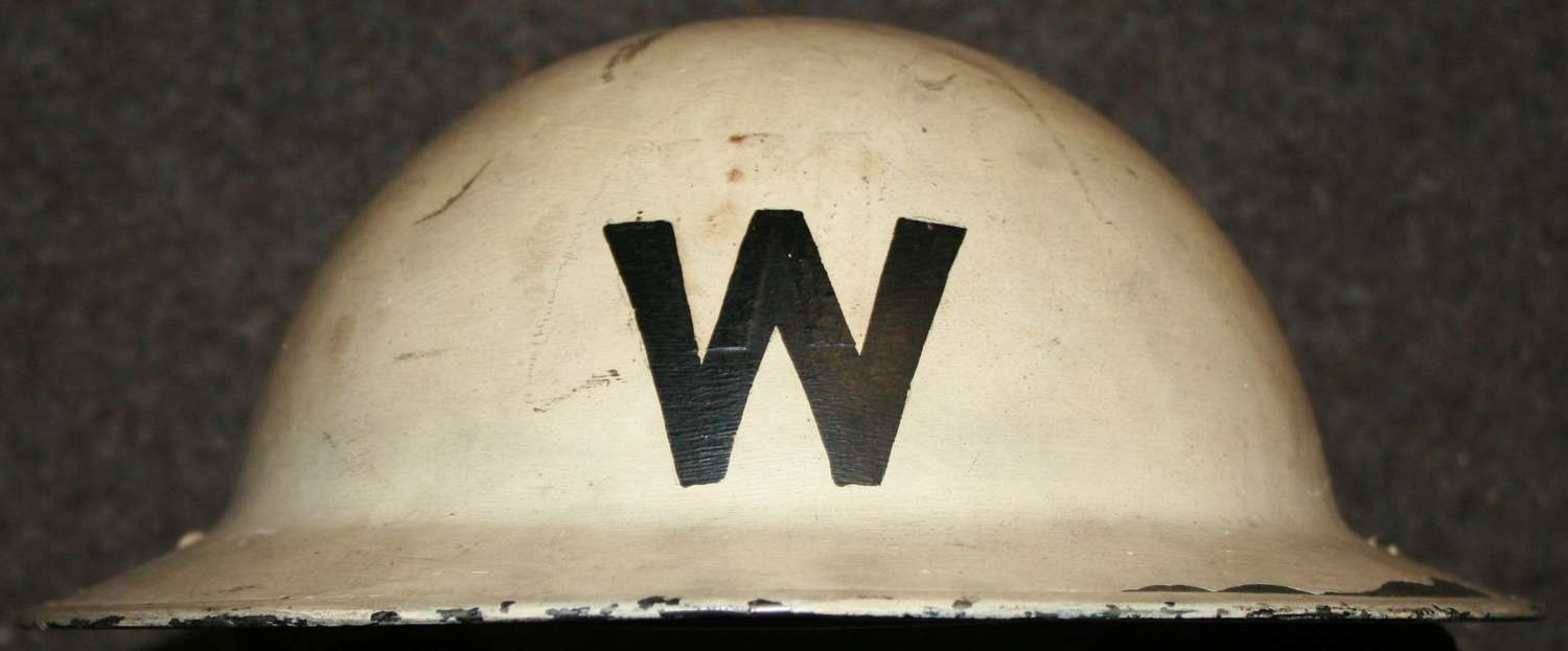 A WWII LONDON AREA HEAD WARDENS WHITE HELMET