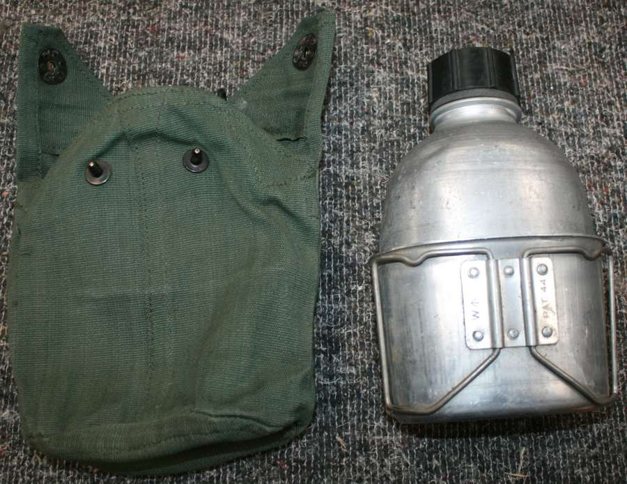 44 PATTERN POST WWII WATER BOTTLE SET
