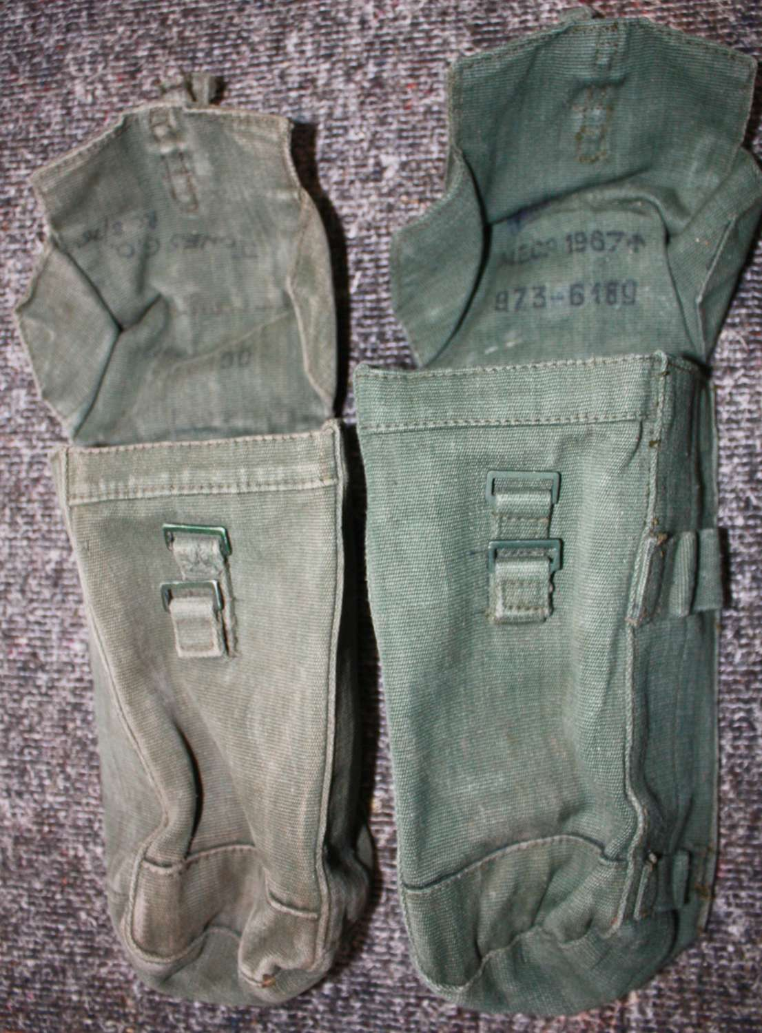 A PAIR OF POST WWII 44 PATTEN AMMO POUCHES  DOUBLE BELT CLIPS TYPE