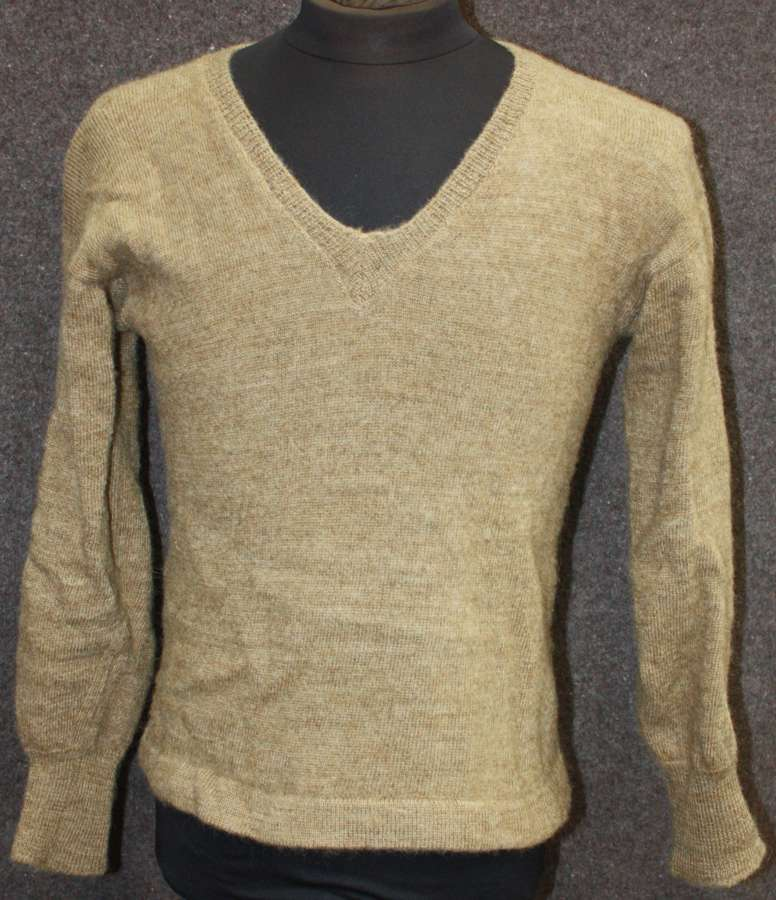 A SIZE 3 1947 DATED ARMY JUMPER 40-42 CHEST