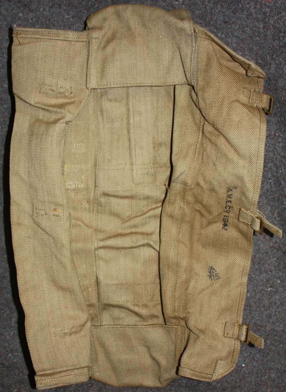 A 1942 DATED 2 INCH MORTAR LEG AMMO BAG