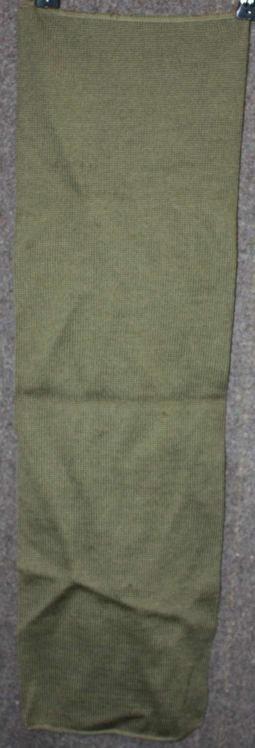 A GOOD EARLY 50'S WOOL SCARF