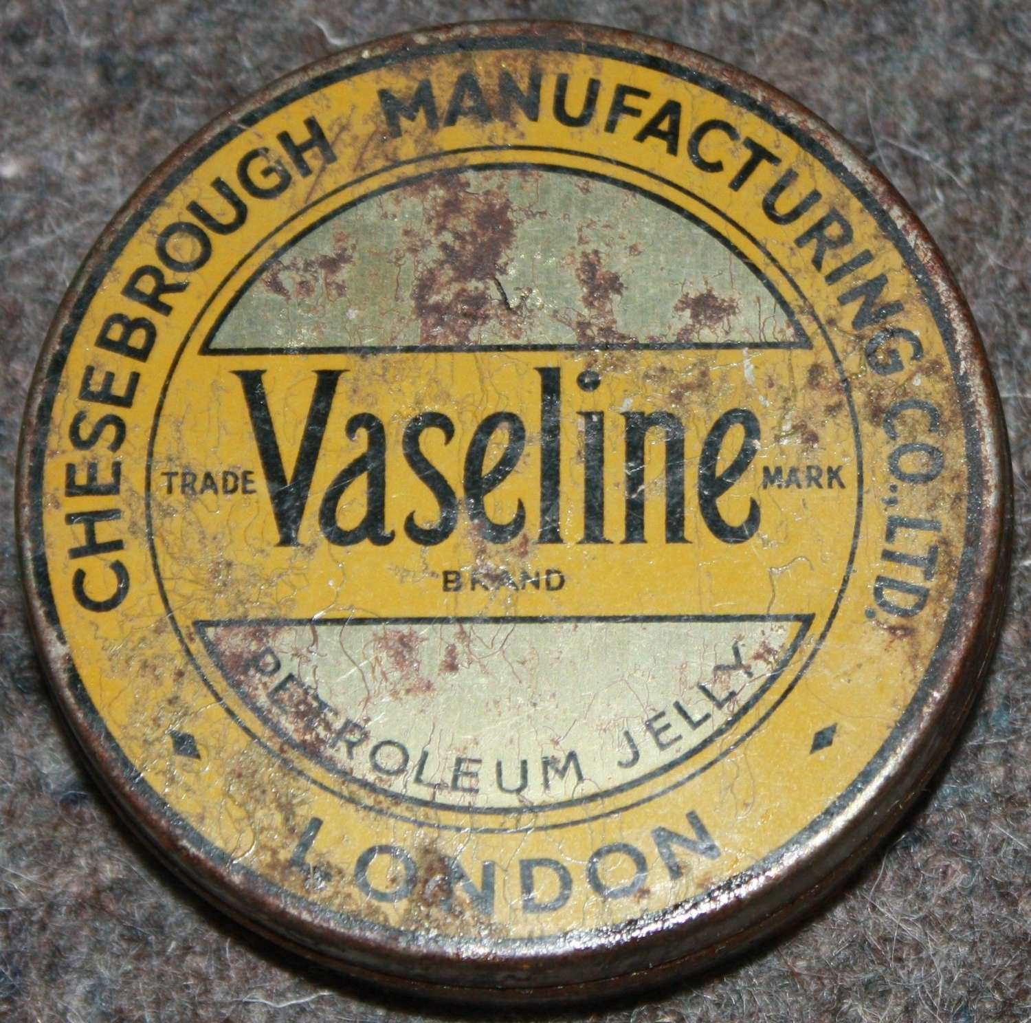 A FULL TIN OF THE WWII PERIOD VASELINE BRITISH MADE EXAMPLE