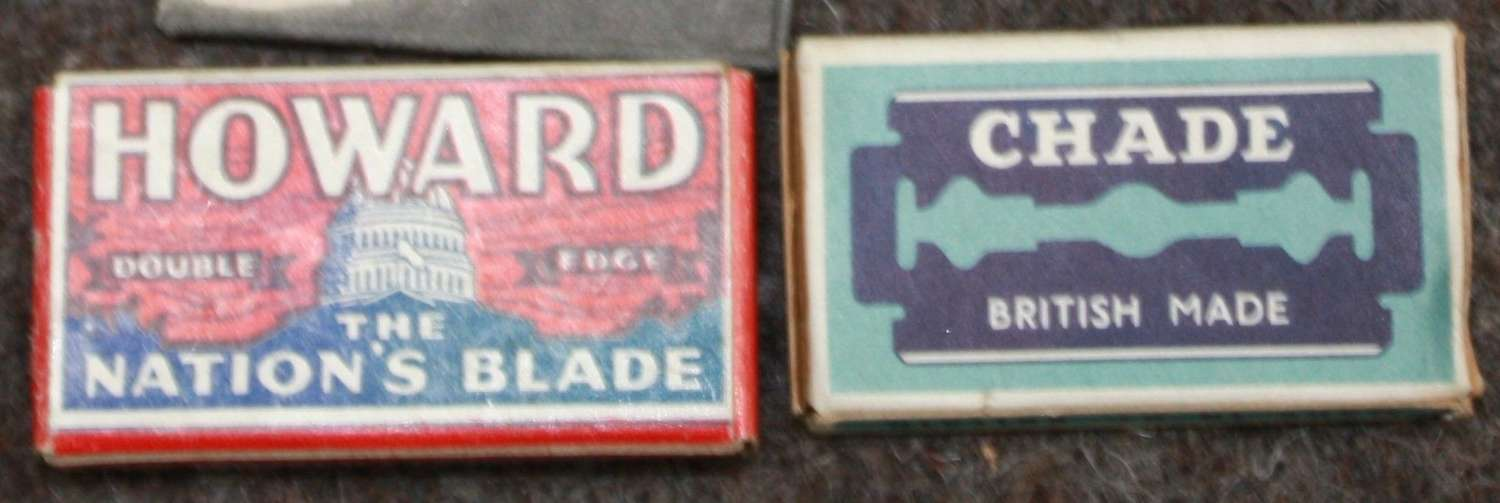 A PACK OF WWII PERIOD CHADE RAZOR BLADES
