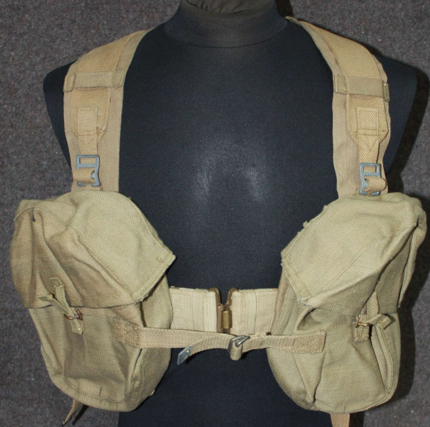 A GOOD COMPLETE K GUN AMMO POUCH SET ALL WWII DATED ITEMS