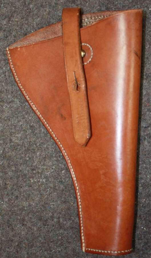 A GOOD OPEN TOP LEATHER 38 CAL PISTOL HOLSTER