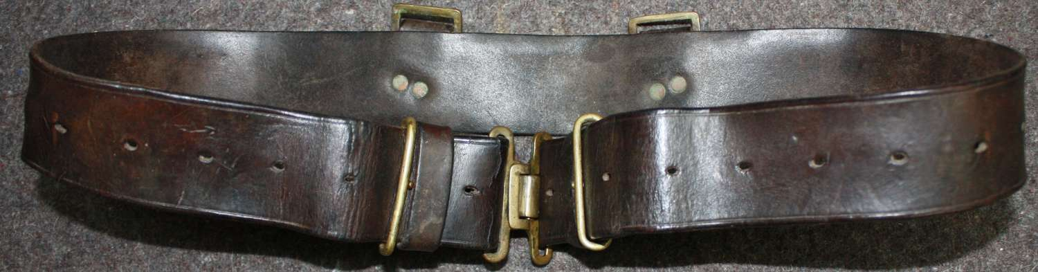 A GOOD USED 39 PATTERN LEATHER EQUIPMENT BELT