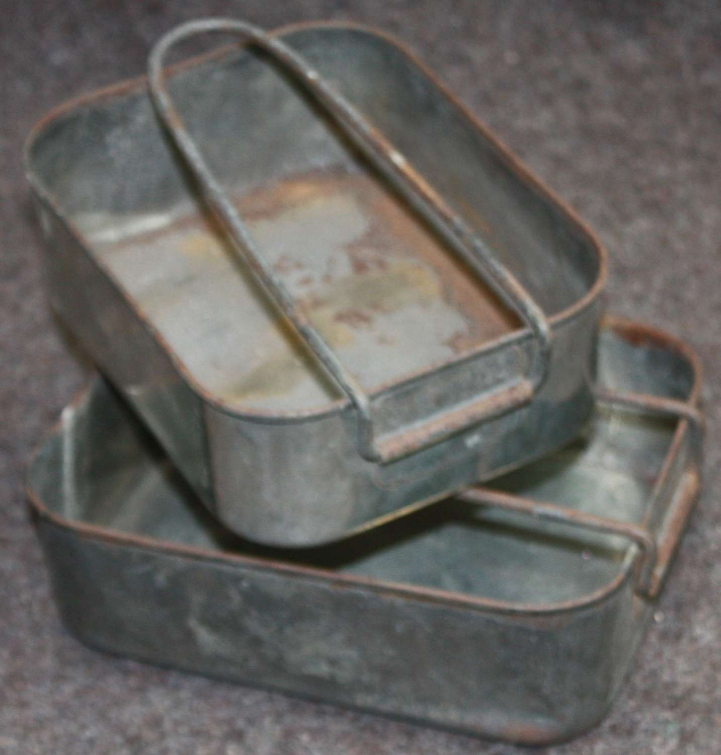 A PAIR OF WWII SOUTH AFRICAN MESS TINS