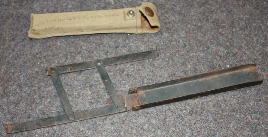 A WWII PERIOD OFFICERS POINTER