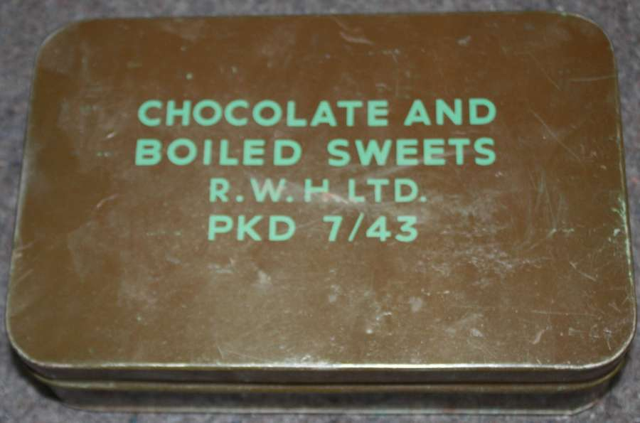 A GOOD WWII LARGE SIZE CHOCOLATE AND BOILED SWEETS TIN