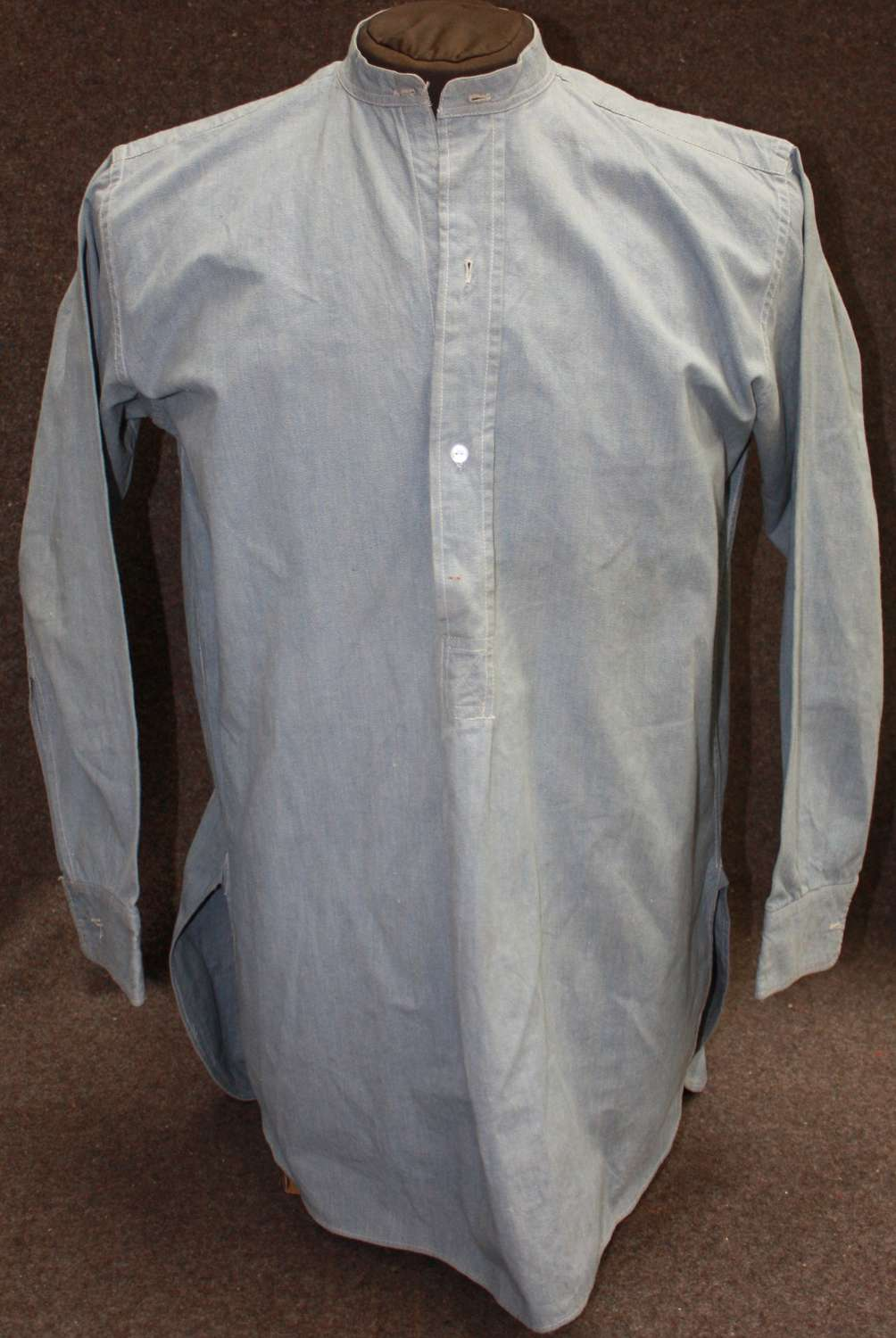 A WWII 1942 DATED INDIAN MADE RAF COTTON SHIRT