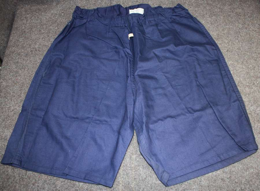 A GODO SIZE PAIR OF 1941 DATED PT SHORTS