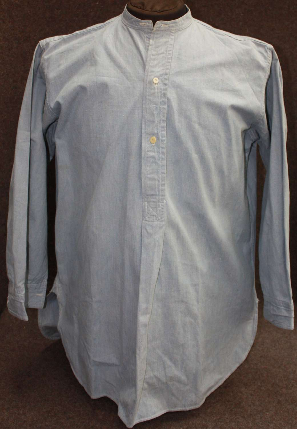 A WWII 1943 DATED INDIAN MADE RAF SHIRT HEAVY COTTON EXAMPLE