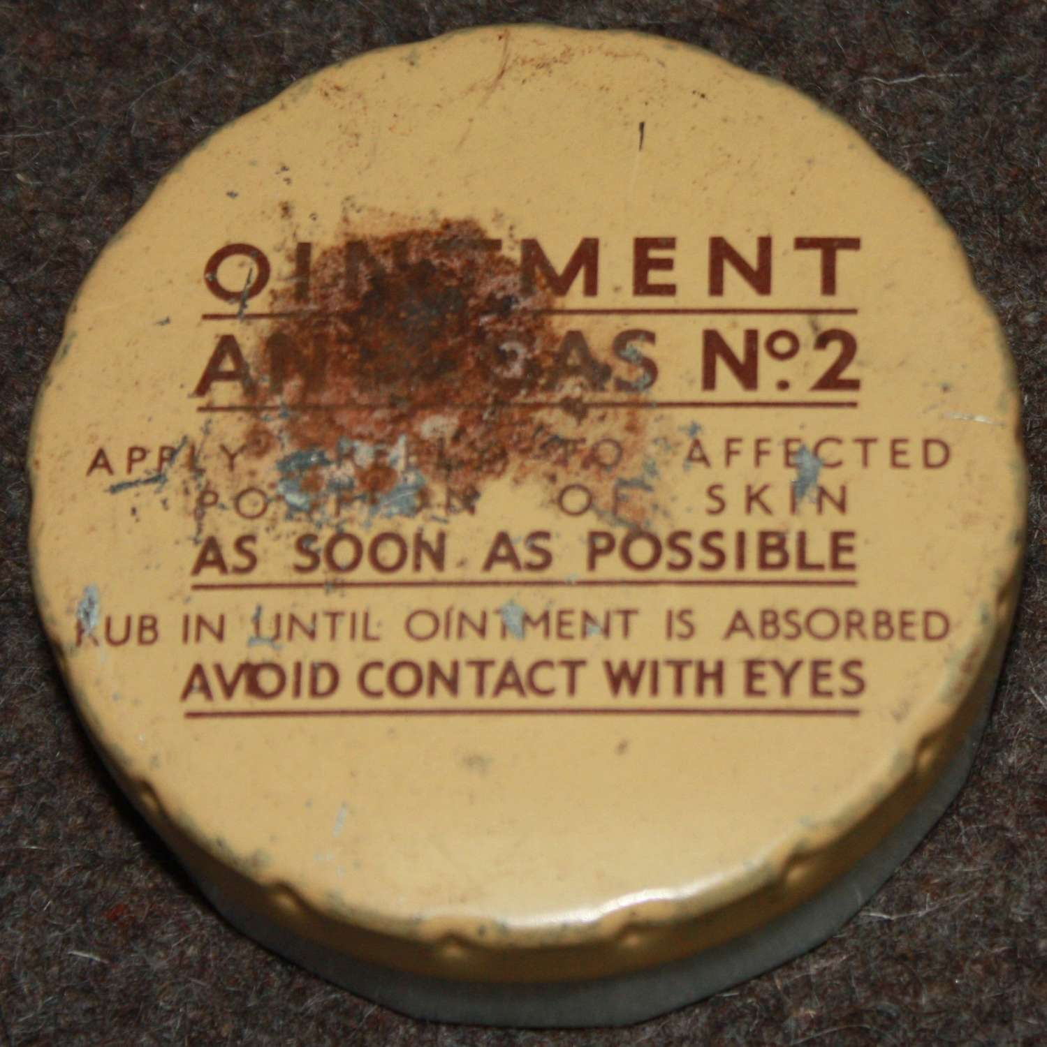 A EARLY WWII ANTI GAS OINTMENT NO2 JAR