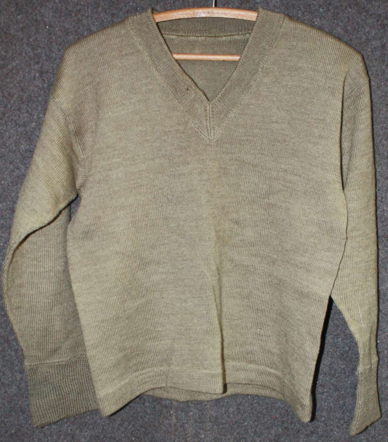 A WWII PERIOD BRITISH ARMY JUMPER NO LABEL GOOD SIZE