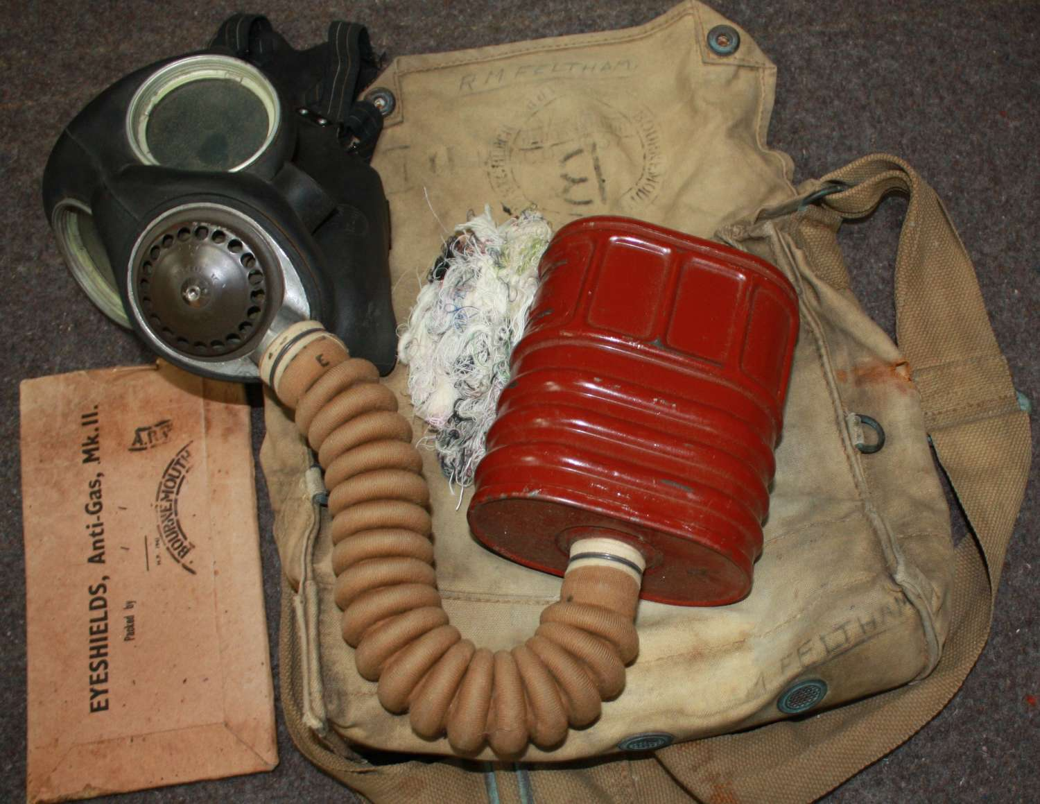A WWII BOURNEMOUTH ARP GAS MASK