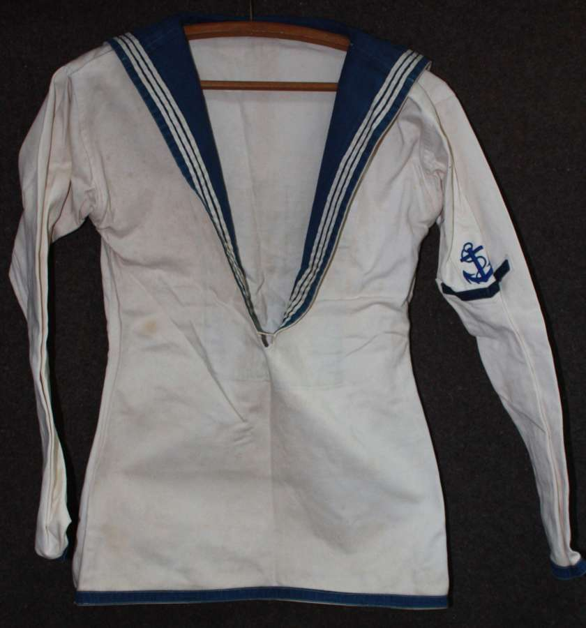 A WWII ROYAL NAVY WHITE'S UNIFORM