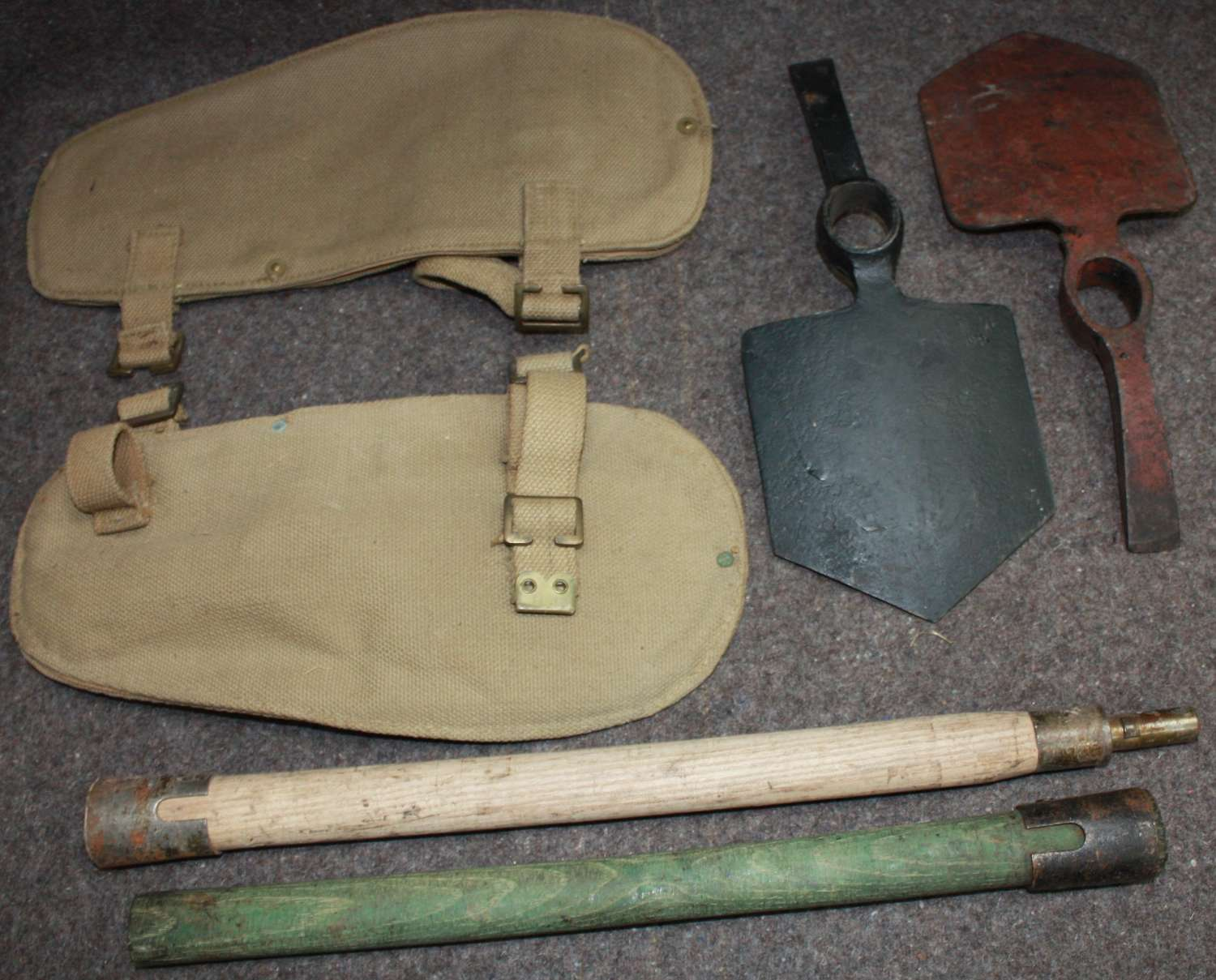 A 37 PATTERN ENTRENCHING TOOL SET