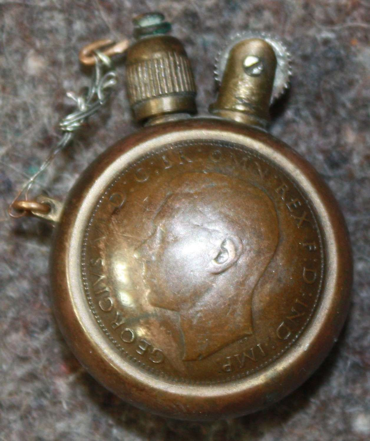 A WWII PENNY LIGHTER MADE FROM 2 HALF PENNIES 1941 DATED