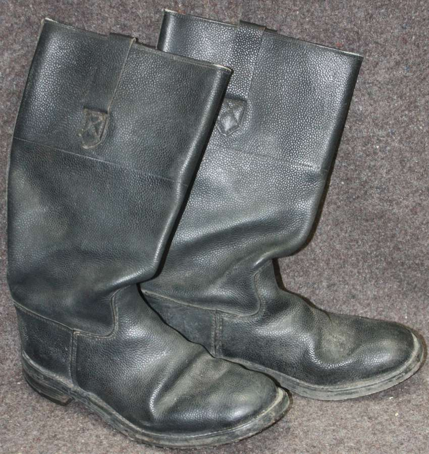 A PAIR OF WWII FIRE BRIGADE BOOTS THESE ARE A SIZE 8 L