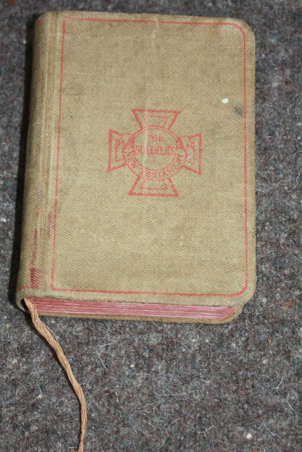 A WWI SOLDIERS NEW TESTAMENT 1914 DATED