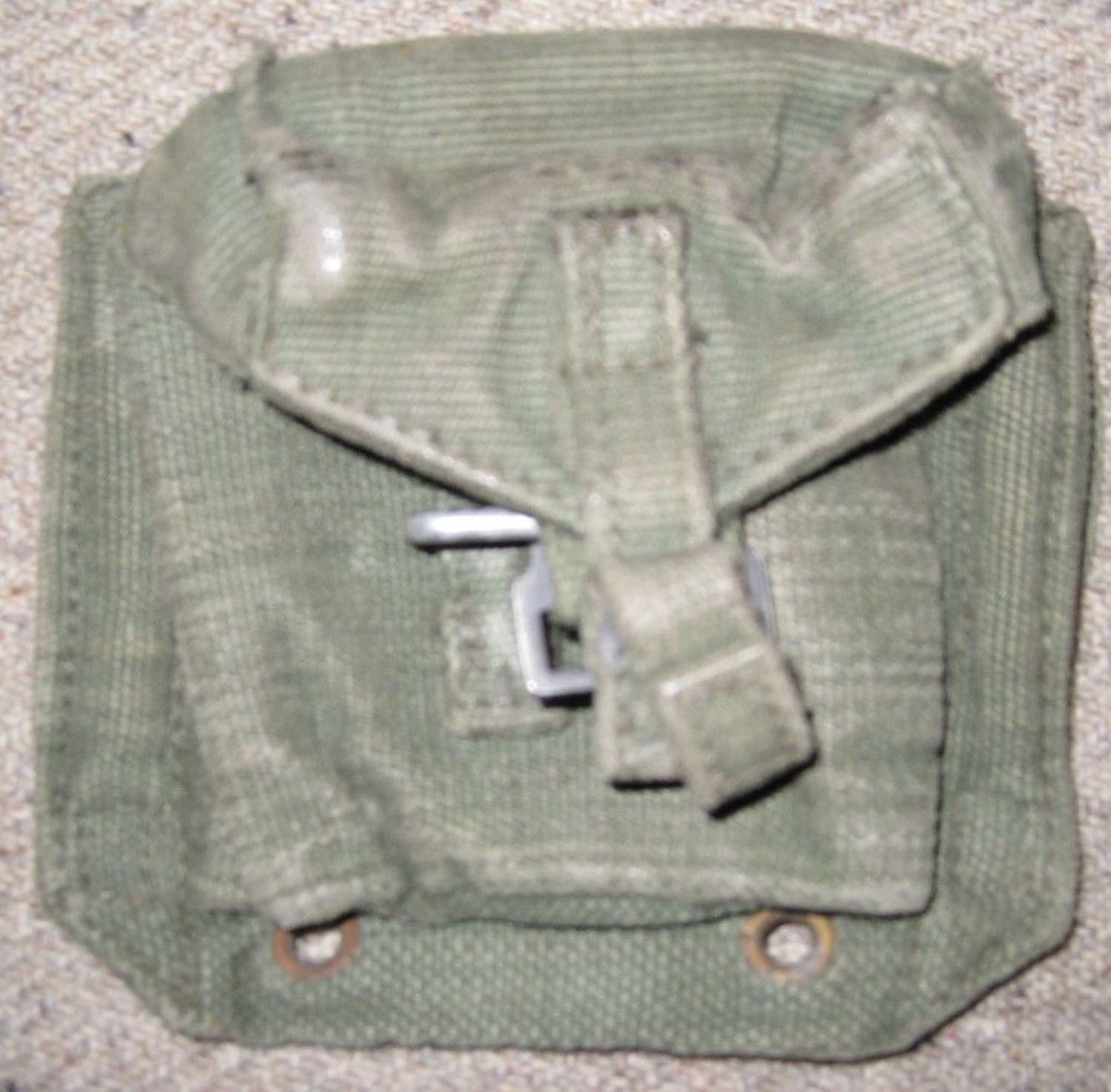 A 44 PATTERN WEBBING PISTOL AMMO POUCH 1950's DATED
